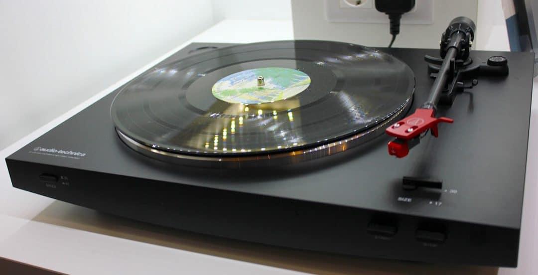 Tocadiscos barato Audio-Technica AT-LP3