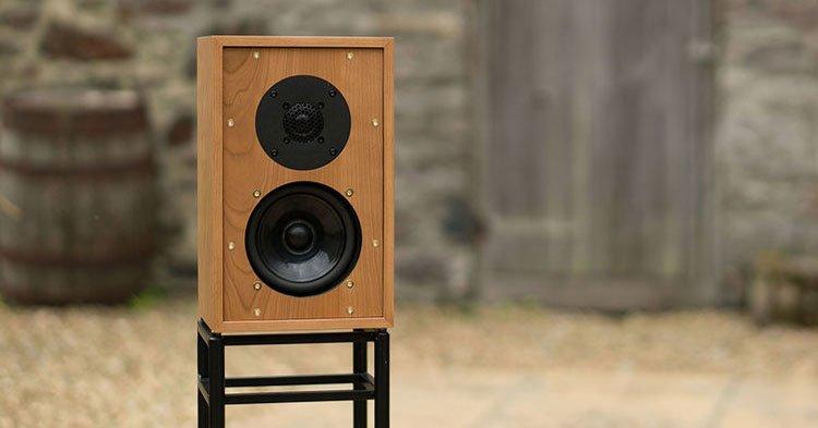 altavoz-monitor-graham-audio-ls3-5-con-soporte
