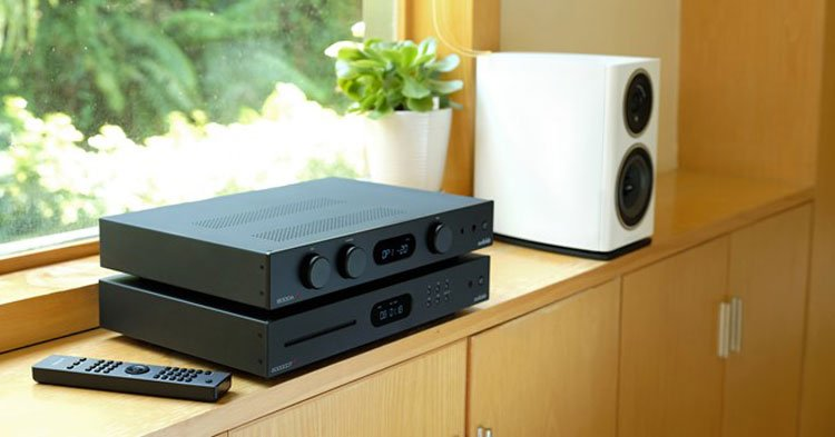 audiolab-6000cdt-6000a-lifestyle