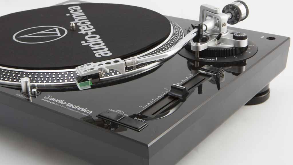 giradiscos-Audio-Technica-LP120-USB