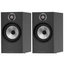 monitores-bowers-wilkins-606-altavoces-estanteria-negros