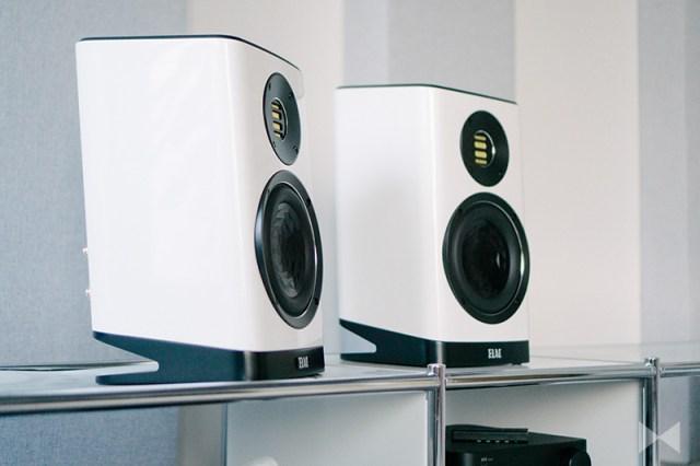 Elac-Vela-BS-403-altavoces-white